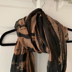 Lightweight Abstract Print Scarf